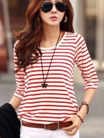 เสื้อยืดแฟชั่นสีแดง แขนสี่ส่วน คอกลม ผ้ายืด พิมพ์ลายทาง น่ารัก