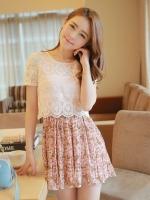 ชุดเดรสสั้นแขนสั้น เสื้อผ้าลูกไม้สีขาว กระโปรงผ้าชีฟองลายดอกไม้สีชมพู น่ารัก