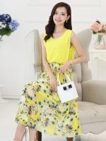 ชุดเดรสยาวสีเหลือง แขนกุด คอกลม เอวยืด ผ้าชีฟอง กระโปรงพิมพ์ลายดอกไม้ สวยหวาน