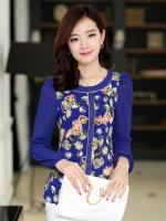 เสื้อทำงานสีน้ำเงิน แขนยาว คอกลม ผ้าชีฟอง กระดุมหน้า ตัวเสื้อพิมพ์ลายเก๋