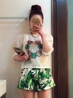 ชุดเซ็ทเสื้อกางเกงขาสั้นสีเขียว เสื้อแขนยาวผ้าแก้ว กางเกงพิมพ์ลายดอกไม้