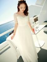 ชุดราตรียาวสีขาว ชุดเดรสออกงาน เสื้อผ้าลูกไม้ แขนสามส่วน กระโปรงบานผ้าชีฟอง ประดับมุกสวยหรู