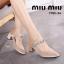 รองเท้าคัทชูกำมะหยี่ประดับเพชร MIUMIU (สีแทน) thumbnail 1
