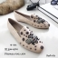 รองเท้าคัทชูทรงสวมปักลายผึ้ง Style Gucci (สีครีม) thumbnail 1
