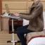 Pre-order โต๊ะทำงาน โต๊ะวางคอมพิวเตอร์ โต๊ะวางแล็ปท้อป ขาคู่ แบบมัลติฟังก์ชั่น ปรับระดับได มีล้อเลื่อน แผ่นท้อปเจาะช่องระบายอากาศ สีดำ thumbnail 5