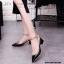 รองเท้าคัทชูส้นตันหนังเงาสไตล์ Valentino (สีดำ) thumbnail 1