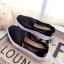 รองเท้าผ้าใบลูกไม้ถักเสริมส้น (สีเทา) thumbnail 5