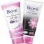 Biore 2 in 1 Makeup Remover Foam บิโอเร 2 อิน 1 เมคอัพ รีมูฟเวอร์ โฟม 90 กรัม + Biore Facial Foam Deep Detoxify บิโอเร เฟเชี่ยล โฟม ดีพ ดีท็อกซิฟาย 100 กรัม