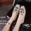 รองเท้าคัทชูทรงสวมปักลายผึ้ง Style Gucci (สีครีม) thumbnail 3