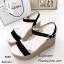 รองเท้าส้นเตารีดแต่งสายคาดทอง (สีดำ) thumbnail 3