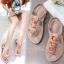 รองเท้าแตะรัดส้นแต่งกุหลาบ (สีชมพู) thumbnail 3
