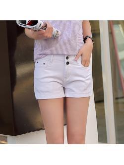 พรีออเดอร์ กางเกงยีนส์ ขาสั้น สีขาว ผ้ายีนส์ยืด เอวกระดุม 2 เม็ด แบบเรียบ Size 26-32 ปลีก 370 บาท 3 ตัวขึ้นไปตัวละ 320 บาท คละได้