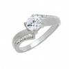 แหวนประดับเพชรฝังหนามเตยและฝังสอดไล่ระดับ หุ้มทองคำขาวแท้