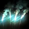 ไฟเย็นสีรุ้ง 14 นิ้ว 1 ช่อ 6 ก้าน 1 นาที ประกายไฟจะพุ่งขึ้นเป็นเส้นตรง คล้าย ๆ ลำแสง ประกายสีไล่สีตามก้าน