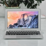MacBook Air 11-inch Intel Core i5 1.4GHz. Ram 4GB. SSD 256GB. Early 2014.
