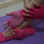 ถุงมือ ถุงเท้าโยคะ กันลื่น YKA30-36