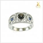แหวน Black Star Sapphire ฉลุลายเก๋ๆ เสริมเสน่ห์บนนิ้ว