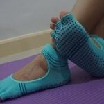 ถุงเท้าโยคะ YKA70-3P โปรโมชั่น 2 คู่ 499 บาท