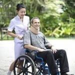 วิธีใช้ รถเข็นผู้ป่วย นั่ง สำหรับผู้พิการเเละผู้สูงอายุ