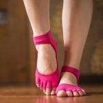 ถุงเท้าโยคะ YKA70-9P โปรโมชั่น 2 คู่ 499 บาท
