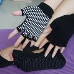 ถุงมือ ถุงเท้าโยคะ กันลื่น YKSM30-5