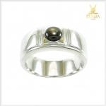 แหวน Black Star Sapphire ดีไซน์เรียบๆ ดูดีมีสไตล์