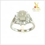 แหวนมูนสโตนแท้ สีขาวนวล เพิ่มเสน่ห์เป็นที่รักใคร่