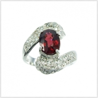 แหวนพลอยโรโดไลต์ (RHODOLITE)
