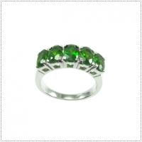 แหวนกรีนโครมดิออพไซด์ (Chrome Diopside)
