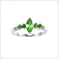 แหวนพลอยกรีนการ์เนต (GREEN GARNET)