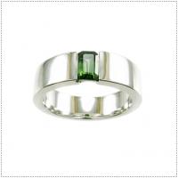 แหวนพลอยเขียวส่อง (Green Sapphire)