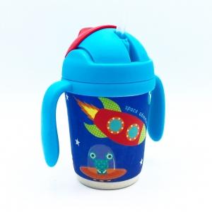 แก้วบรรจุเครื่องดื่มแบบหลอดพร้อมมือจับชนิดปลอดสารพิษ Yookidoo Natural Bamboo Fibre Straw Cup (Space Adventure)