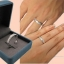แหวนอัลลอยด์หุ้มทองคำขาวแท้ ฝังหนีบเพชร thumbnail 3
