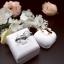 แหวนประดับเพชรฝังหนามเตยและฝังสอดไล่ระดับ หุ้มทองคำขาวแท้ thumbnail 4