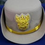 หมวกหม้อตาลหญิงสีกากี หน้าครุฑ