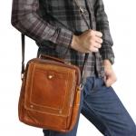 กระเป๋าสะพายข้างและถือหนังแท้ ขนาดสามารถใส่ I-Pad ได้พอดี โทนสีน้ำตาล (สามจุดตรงฝาปิด)
