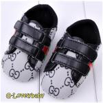 GUESS Pre-walker Baby Shoes รองเท้าเด็ก รองเท้าเด็กแบรนด์เนม รองเท้าเด็กชาย รองเท้าเด็กชายวัยหัดเดิน ยี่ห้อ Guess SIZE 3(12-18M)