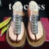 รองเท้า fitflop เหรีญทองสามเหลี่ยมสีเน้ำตาล ราคา 730 บาท