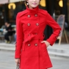 เสื้อโค้ทแฟชั่นนำเข้า : เสื้อโค้ทแฟชั่น พร้อมส่ง ตัวยาว สีแดงสดใส กระดุมหน้า 2 แถว ดีเทลสุดเก๋ๆ พร้อมสายรัดเข้าตัวชุด ใส่ไปต่างประเทศได้ รายละเอียดเพิ่มเติม : มีกระเป๋าด้านข้าง มีซับในตัวชุด
