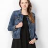 Pre-Order เสื้อแจ็คเก็ตยีนส์ผู้หญิง ยีนส์ฟอก แขนยาว C & A