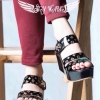พร้อมส่ง แบบมาใหม่!!! รองเท้าแบบใหม่สวยๆ Style Louis Vitton แต่งลายโมโนแกรม ทรงสวย ใส่สบาย แต่งอะไหล่lvเพชร ตรงสวยรัดข้อ สวยรัดข้อเมจิกเทป ใส่ง่าย งานพื้นตีแบรนด์LV