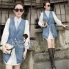 Smart CC Denim Mini Dress by Seoul Secret Material : ด้านในเนื้อผ้าคอตตอนเนื้อสวย ทรงเก๋มากคะ ด้านในเป็นเสื้อเชิ้ตตัวยาว เย็บติดกับกั๊กตัวยาวด้านนอกเป็นเนื้อผ้ายีนแท้ ช่วงเอวมึเชือกไว้รูดได้นะคะ สาวๆ จะใส่แบบ ติดกระดุม หรือ จะใส่แบบเปิดกระดุมเหมือนนางแบบก