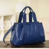 (Pre-order) กระเป๋าสะพายหนังแท้แบบเรียบหรู แฟชั่นกระเป๋าถือ กระเป๋าสะพายสไตล์ยุโรป อเมริกา สีน้ำเงิน Sapphire