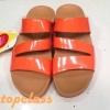 รองเท้า fitflop สวม3เส้นสีส้มราคา 580บาท