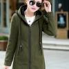 เสื้อกันหนาวแฟชั่นเกาหลี : เสื้อกันหนาว พร้อมส่ง สีเขียว ซิปหน้า มีฮูท ด้านในฮูทสีดำตัดเขียว ด้านหลังแต่งซิปหลอก เท่ห์ๆ อินเทรนสุดๆ สำหรับหนาวนี้
