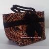 กระเป๋าถือ นารายา Size S ผ้าคอตตอน ลายเสือ ผูกโบว์ สีดำ สายหิ้ว หูเกลียว (กระเป๋านารายา กระเป๋าผ้า NaRaYa กระเป๋าแฟชั่น)