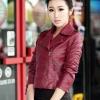 Pre-Order เสื้อแจ็คเก็ตหนัง เสื้อแจ็คเก็ตผู้หญิง เข้ารูปพอดีตัว สีแดงเลือดหมู แต่งซิปเก๋ มีปก แฟชั่นเกาหลี