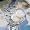++ ต่างหู เปลือกหอยมุก คั่นด้วยมุกน้ำจืด สีขาวครีมธรรมชาติ (Mother of Pearl, Fresh Water Pearl) ++