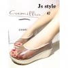 พร้อมส่ง แบบมาใหม่!!! รองเท้าส้นเตารีด ทรงเปิดหน้า Style Chanel พลาสติกใส ใส่โชว์ผิวเท้า นิ่มคะ ไม่บาดเท้า พื้นบุนิ่มมากๆๆๆๆๆ ตัวส้นเป็นลายดอก สไตล์แบรนด์chanelเรยจ้า ส้นสูงประมาณ2 นิ้ว งานสวยใส่สบายๆ ห้ามพลาดนะจ๊ะ
