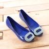 Jelly Shoes รองเท้ายอดฮิตหนึ่งในดวงใจของใครหลายๆคน เพราะใส่ง่าย แมตซ์กับเสื้อผ้าง่าย ลักษณะรองเท้าที่ยืดหยุ่นคล้าย Jelly กันน้ำ ลุยได้ทุกที่ ทนทาน ใส่ได้นานนมจนลูกโตกันไปเลยล่ะ